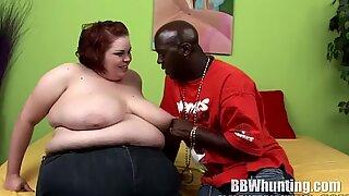 Big Beautiful Woman Sucks on a Bbc