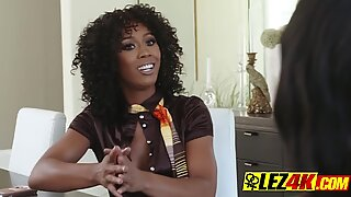 BEAUTIFUL mature fem MASTURBATES YOUNG black HORNY girl