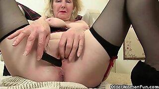 Bangsa British Tok Ma Craves Orgasmic Delight