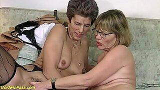 rough lesbian granny dildo sharing