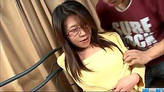 Mizuki Ogawa Gadis dengan Cermin Mata Dapat Bertiga Sex
