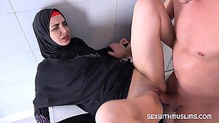 Muslim Freya Dee fuck in the bathroom - Sister Dee