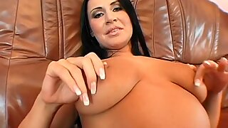 Hotties twat is full of needs after sextoy playing