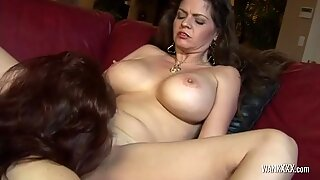 Stunning Milf Enjoys Licking Wet Cunt