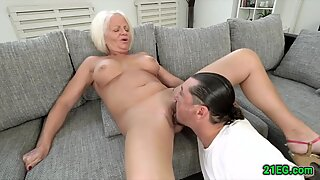 Bigtitted slut gets her mature cunt stuffed