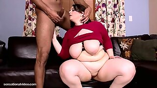 Newbie Big Booty BBW Melody Monroe Tastes Her First BBC