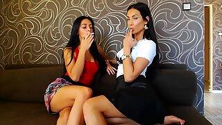 wonderful girls voluptuous smooching
