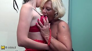 Feet loving old and young lesbian bath nymphos