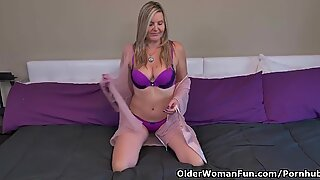 Canadian milf Velvet Skye needs to fondle one out