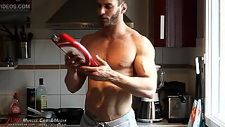 Twisting a frying pan easily
