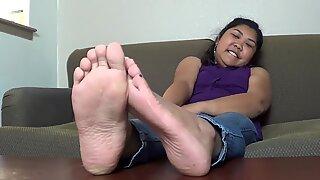 gassy Latina ample feet