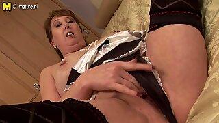 British housewife mom pleasing herself