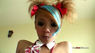 Thai teenager queen takes dick
