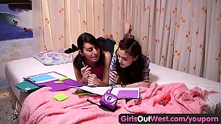 Girls Out West - Hot lesbian teens with squelching hairy cunts