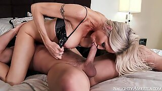 Emma Starr & Johnny Castle in I Have a Wife