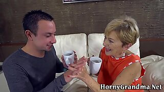 Grandmother gets wrinkly face jizzed