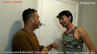 Kadu Ventr&iacute_ dando para dois japas dotados com dupla penetra&ccedil_&atilde_o - Complreto no RED